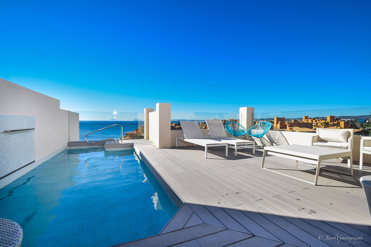 Penthouse in Beach front complex New Golden Mile